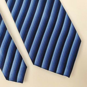 Kenneth Cole Blue Striped Silk Tie 59 3.25